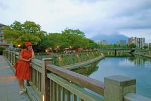 南洲橋から Riverside Market 会場を望む