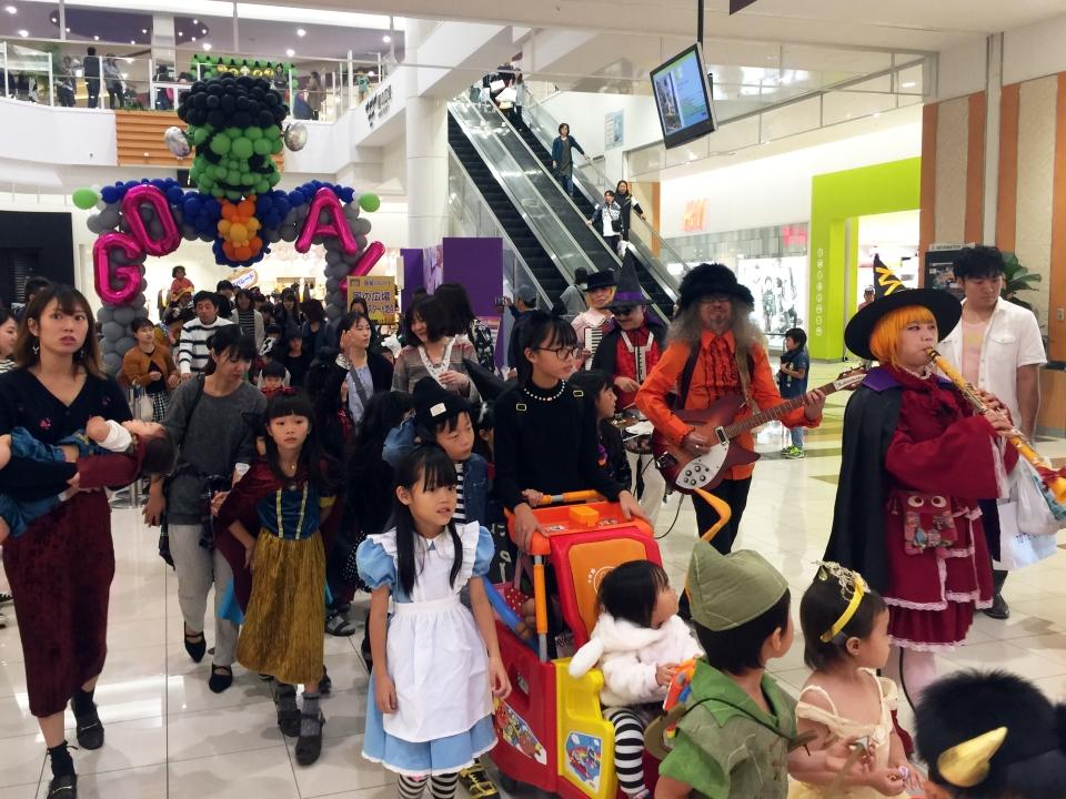 LAG BAG MUSIC 楽団 & NEOチンドン☆チロル堂 ハロウィンバンド